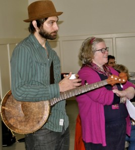 Joe Seamons and Mary Garvey perform at lunchtime session.