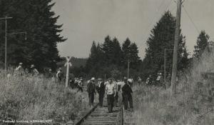 Longshore strikers near Pier Park in 1934.